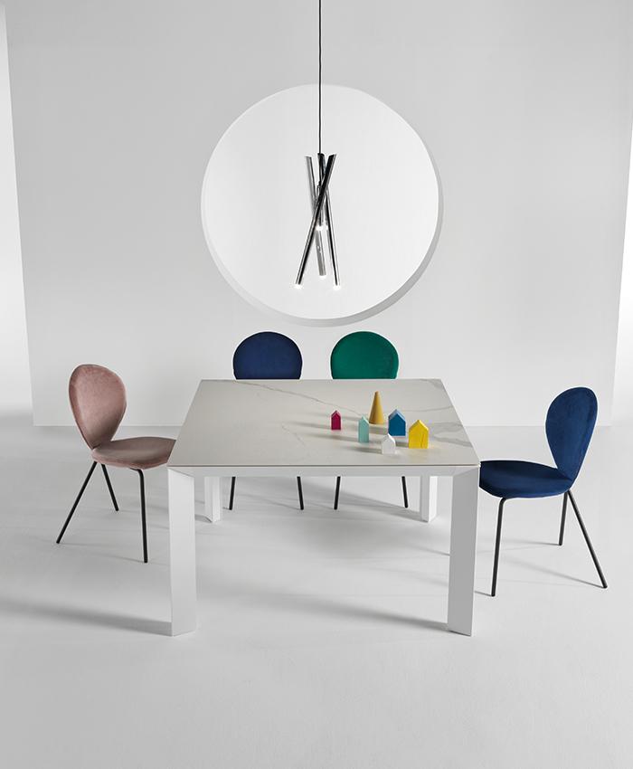 Tavoli Quadrati Di Design.La Scelta Giusta Il Tavolo Quadrato Riflessi